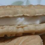 美味しいもの探検 メイプルリーフクリームクッキー